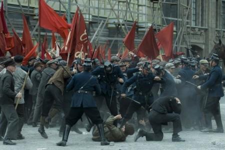 2019-06-08 babylon berlin 011 der blutsonntag nimmt seinen lauf polizeigewalt demonstration kommunisten
