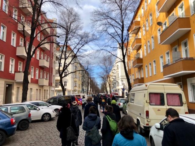 2019-03-31 Kiezspazierung Schillerkiez 009Leinestraße 6