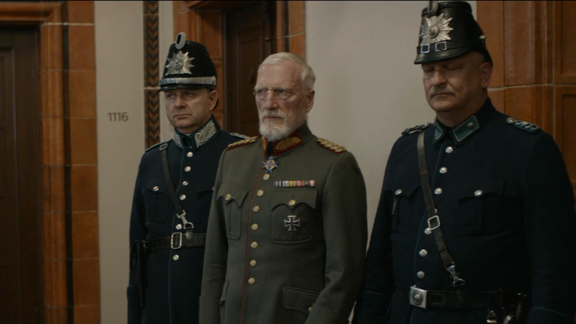 2019-08-18 Babylon Berln Folge 14 104 Der Generalmajor und die Polizei