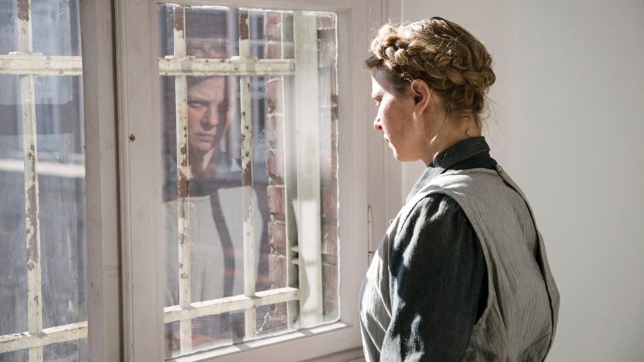 2020-10-11 Babylon Berlin Folge 18 Staffel 3 Folge 1 Foto 03